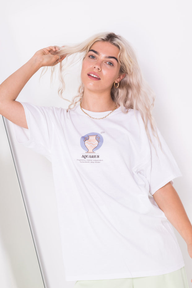 Daisy Street Relaxed T-Shirt with Aquarius Print