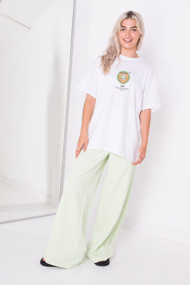 Daisy Street Relaxed T-Shirt with Leo Print