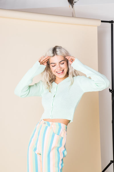 Daisy Street 90's Cropped Cardigan in Mint Green
