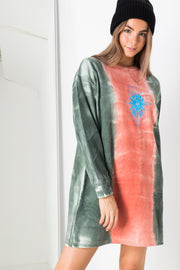Daisy Street Oversized T-Shirt Dress with Le Soleil Print in Tie-Dye