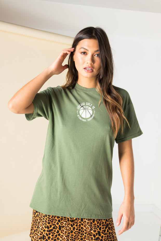 Daisy Street Relaxed T-Shirt with Chicago Basketball Print in Khaki