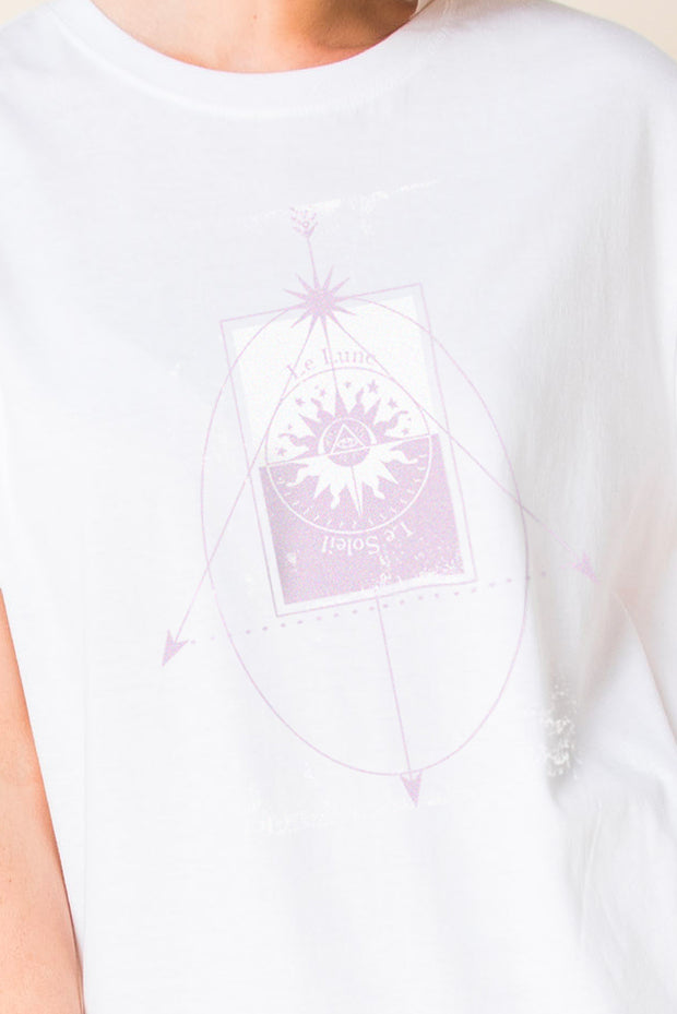 Daisy Street Relaxed T-Shirt with Le Lune Tarot Print