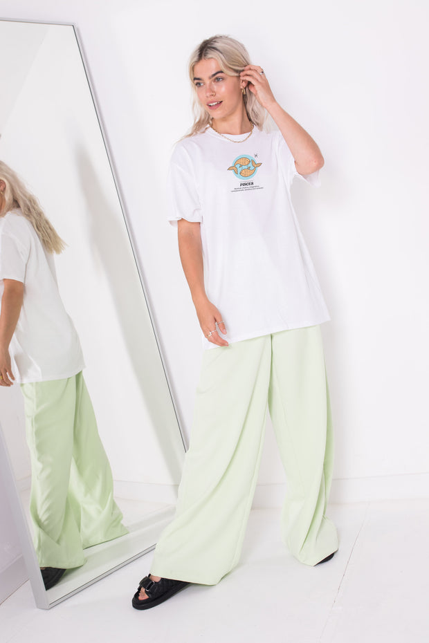 Daisy Street Relaxed T-Shirt with Pisces Print