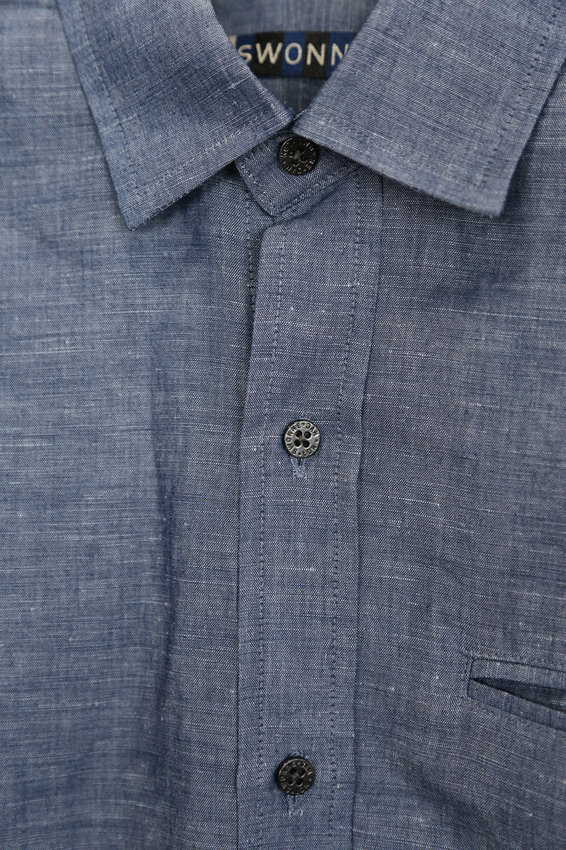 LINEN CHAMBRAY SHIRT, GUNMETAL BUTTONS, DETAILS CLOSE UP