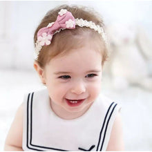 Load image into Gallery viewer, Bow with little flowers on headband