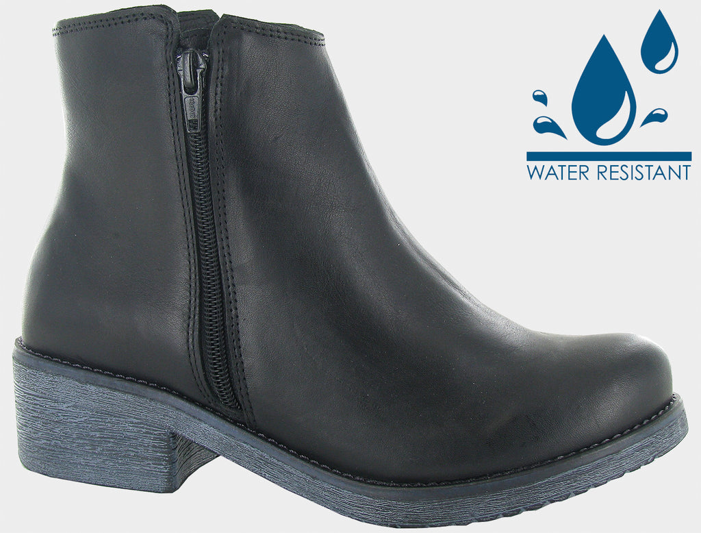 Naot Women's Wander water Resistant Black Leather