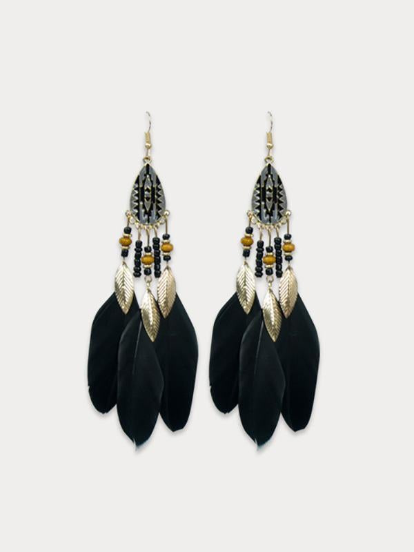 Feather earring for vacation