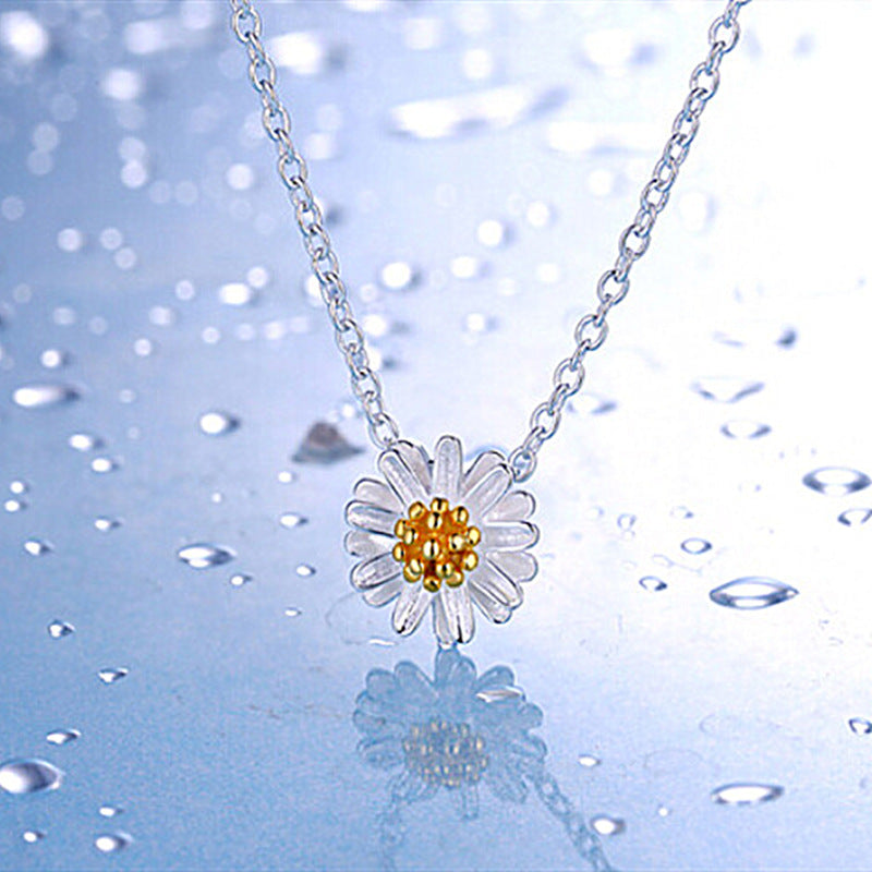 Fashion simple sweet girl heart Sen small daisy pendant clavicle necklace