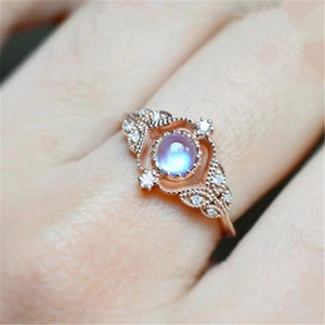 New European and American fine moonstone ring