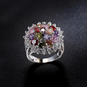 Round Flower Pattern Zircon Ring