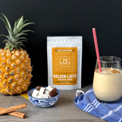 turmeric latte mix from redespresso and a smoothie with pineapple and coconut