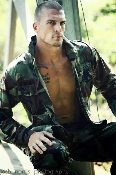 sexy pictures of guys in uniform