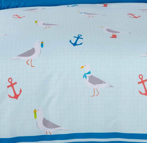 Bring the beach home with our Seagull duvet covers featuring a cute nautical sea gull bird and anchor printed design. This bedding is available in a fresh blue and white colour palette ensuring this bedding will look sensational in any bedroom.