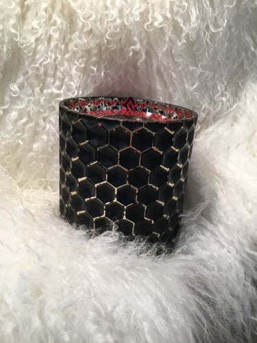 Candle Red Currant Black Honeycomb