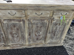 Buffet Distressed