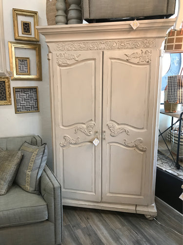 Armoire Distressed White