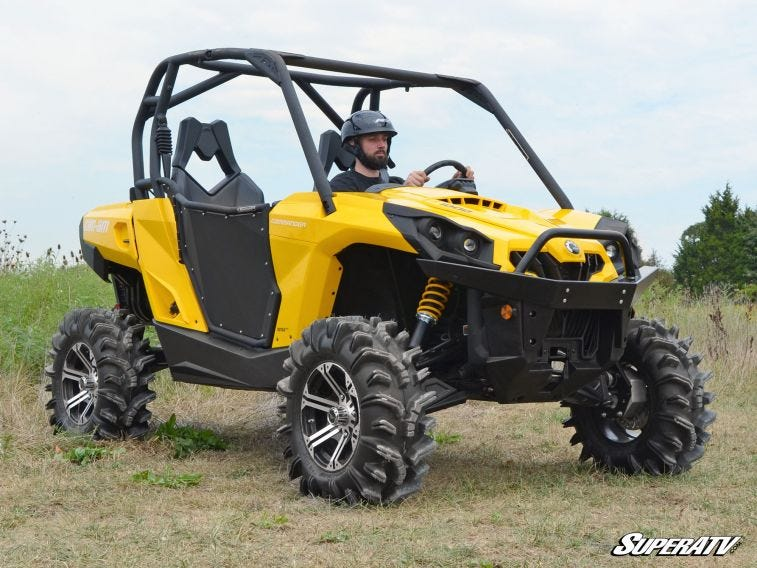 Can-Am Commander 4