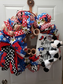 Just one of the beautiful wreaths that Chris made with craft items from Kringle Designs!