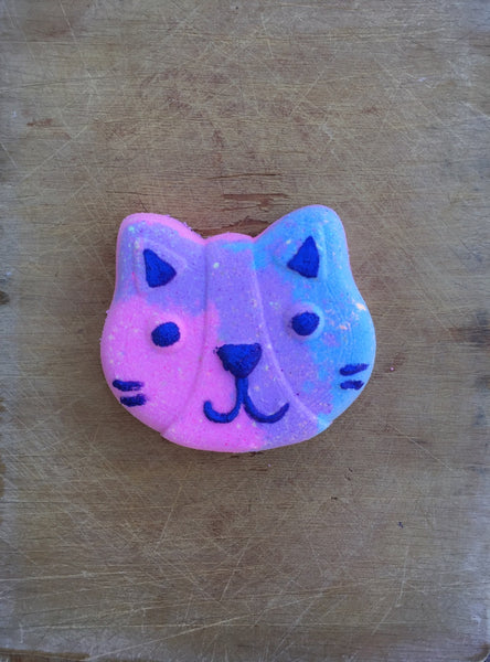 Cool Kitty Bath Bomb - Black Raspberry