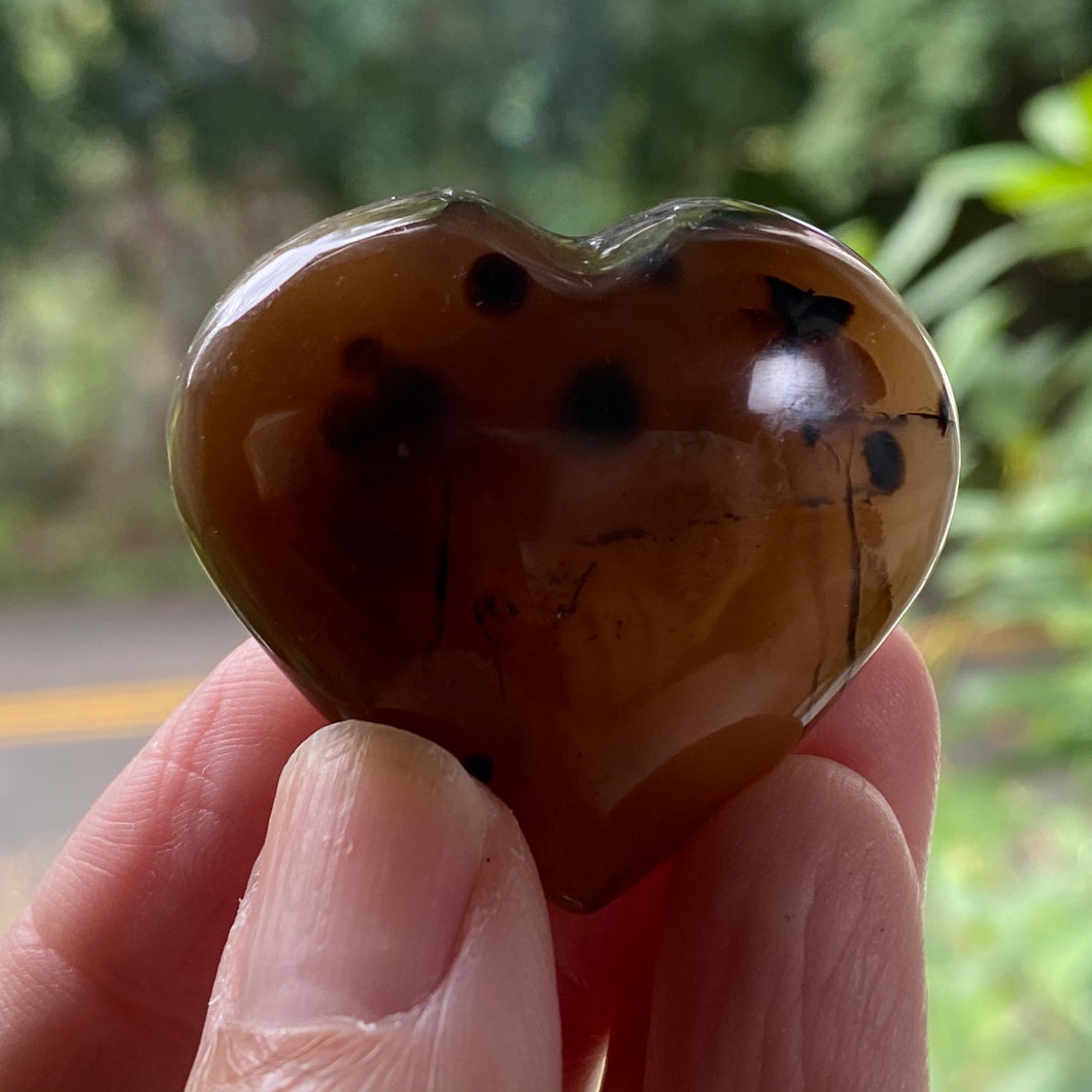 dendritic agate worry heart stone