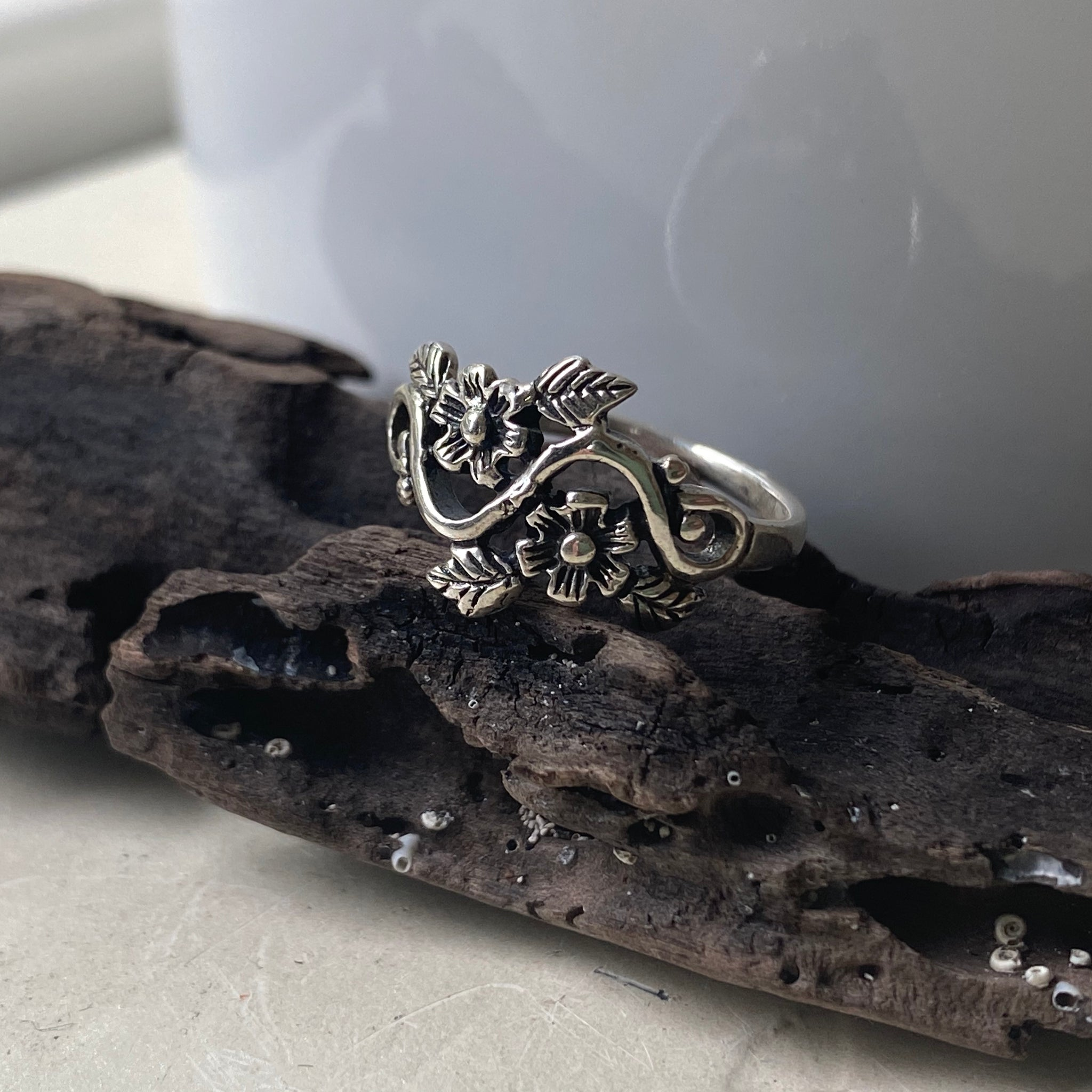sterling silver flowers and vines ring