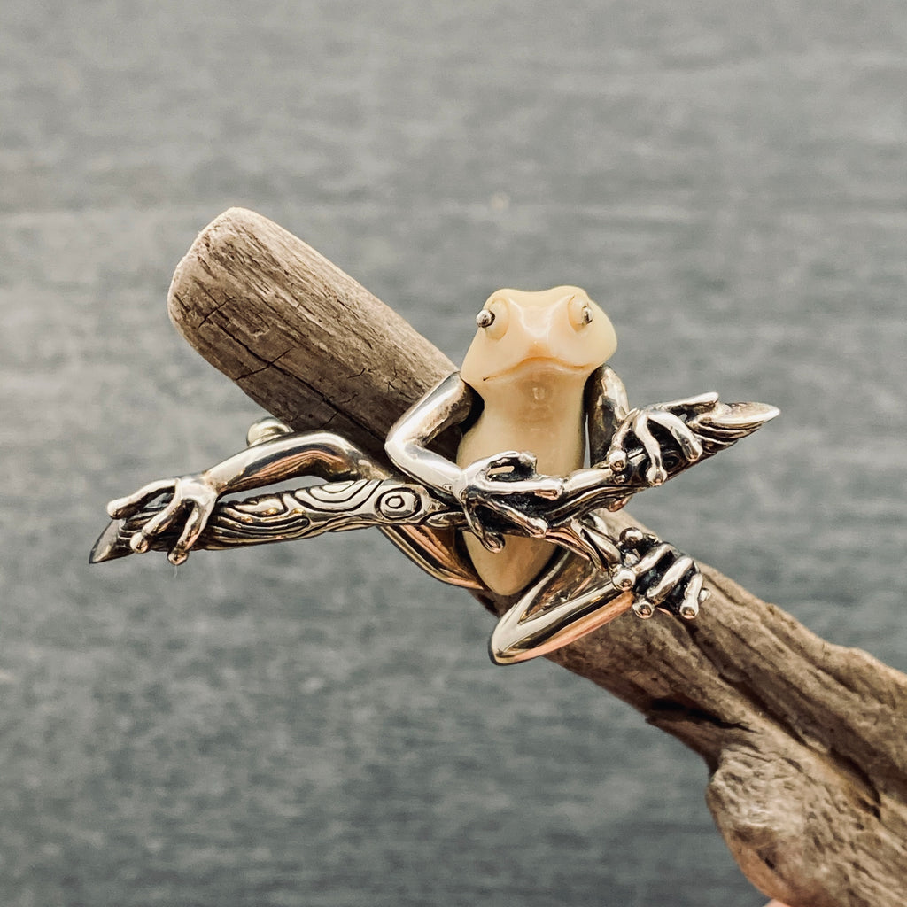 Sterling silver carved tree frog pin