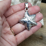 Load image into Gallery viewer, Sterling silver starfish pendant