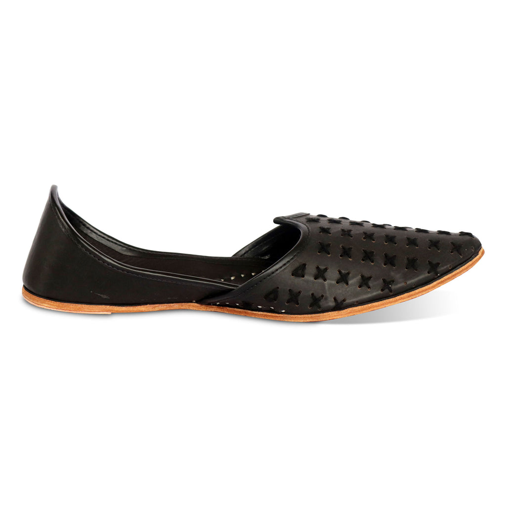 Distinct Black Pure Leather Jutti