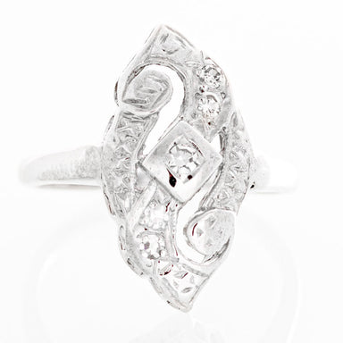 Vintage Art Deco diamond ring in 14k white gold.