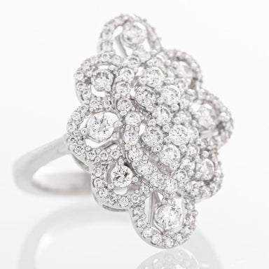 Enchanting ballroom diamond ring in 14k white gold.