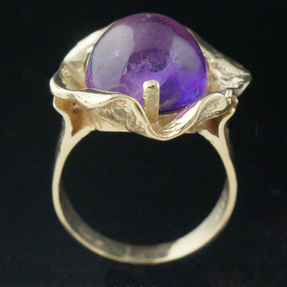 Modernist Solid 14K Yellow Gold & 8.0 Ct Amethyst Cabochon Cocktail Ring