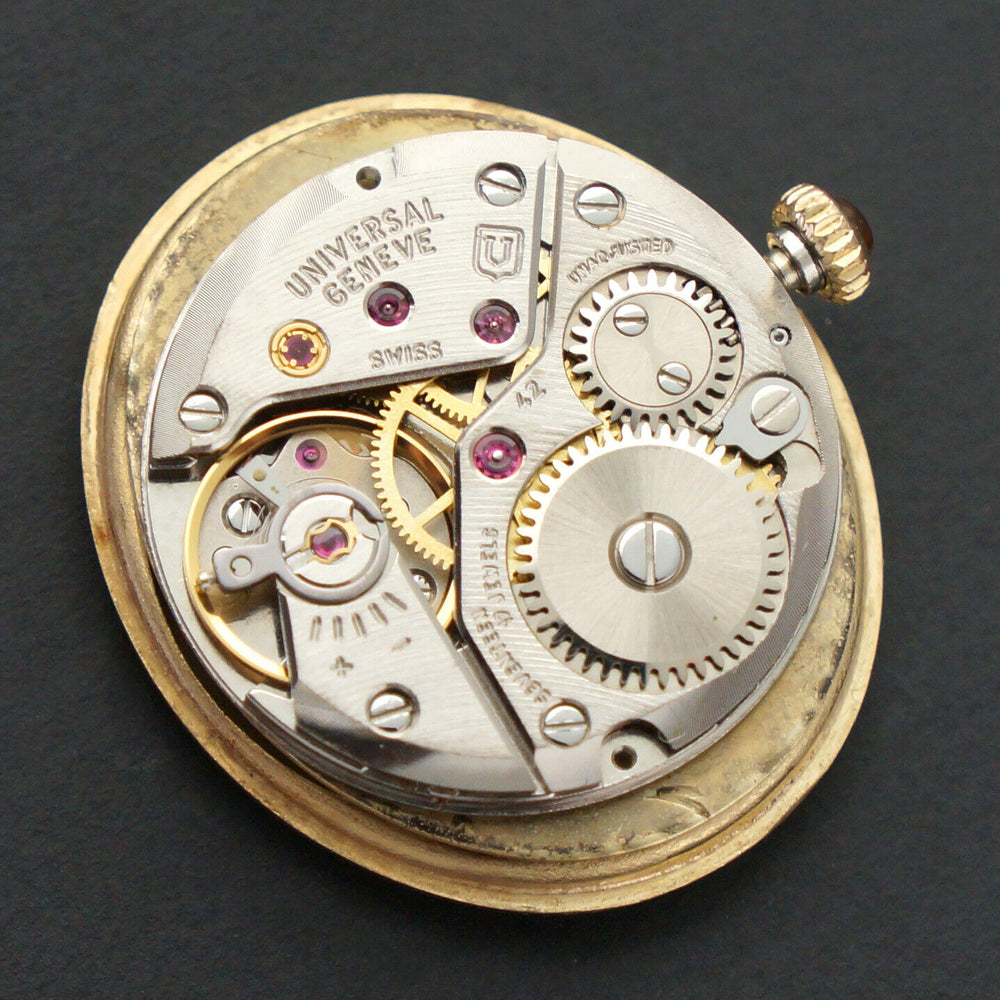 Stunning Vintage Universal Geneve Solid 18K Yellow Gold Lady's Bracelet Watch Movement