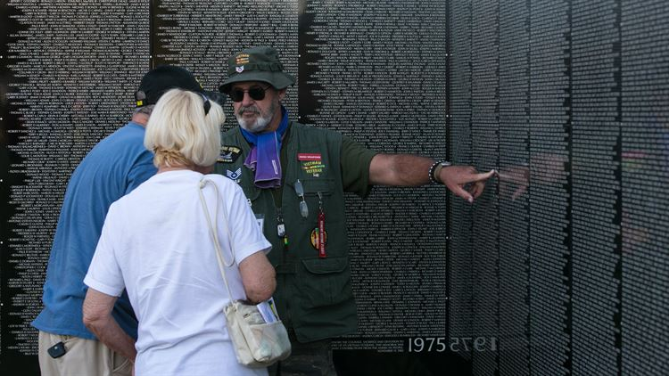 Moving Vietnam Veterans Memorial Wall Makes Way to Desert Hot Springs