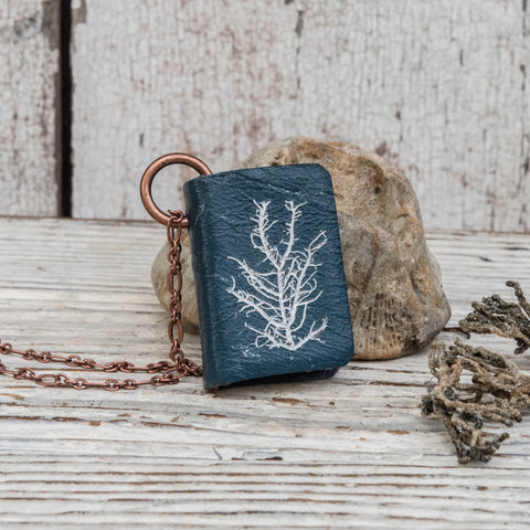 Anna Atkins Large Book Necklace: Mesogloia purpurea