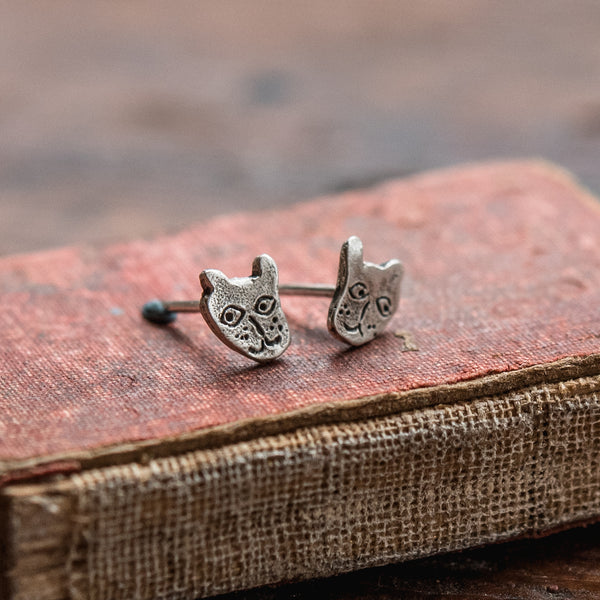 Foundlings Earrings: Ash (Cat)
