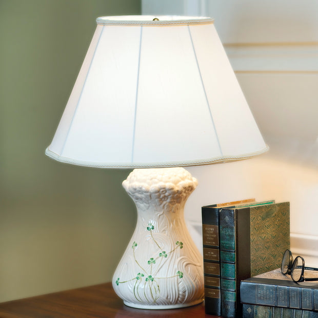 Belleek Daisy Lamp