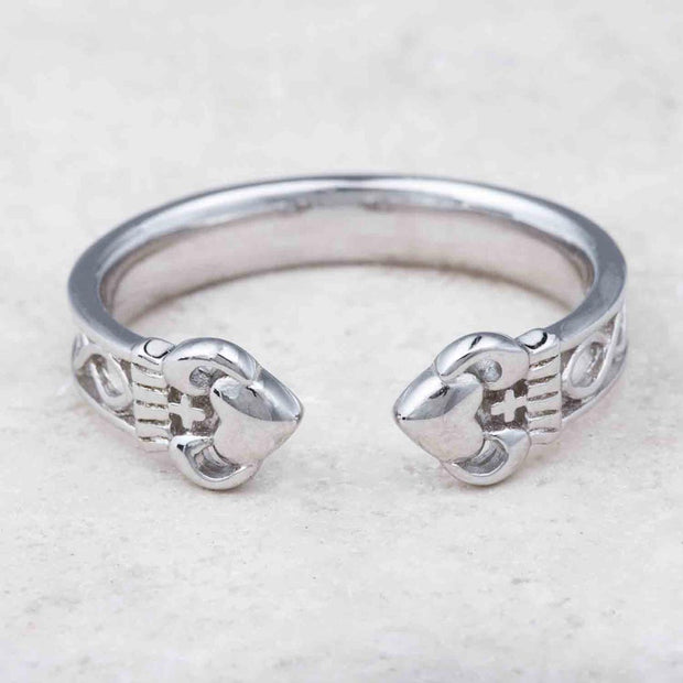 Irish Torc Claddagh Ring