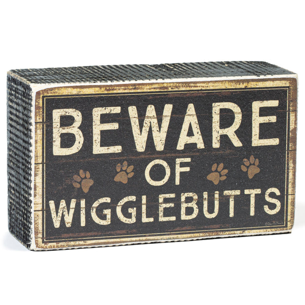 Wigglebutts Box Sign