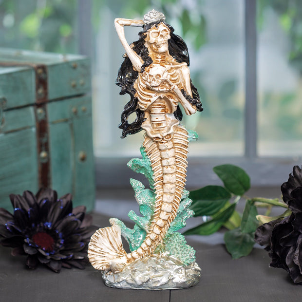 Deadly Mermaid Statue