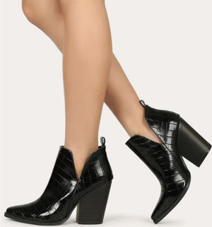The Caroline Black Booties - Ny Texas Style Boutique