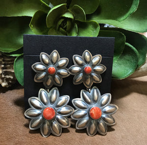 El Spiny Oyster Flower Earrings - Ny Texas Style Boutique