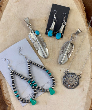 The Feather Arrow Pendant - Ny Texas Style Boutique