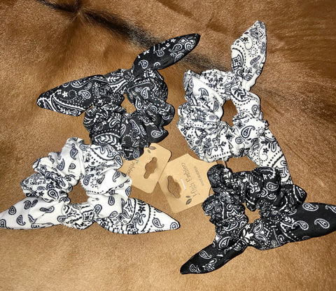 Set of Two scrunchies - Ny Texas Style Boutique