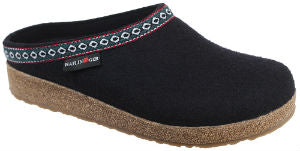 halflinger clog black with embroidery