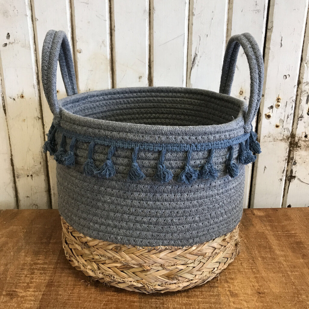 Basket-Rope/Straw Tassel Md 10 x 9