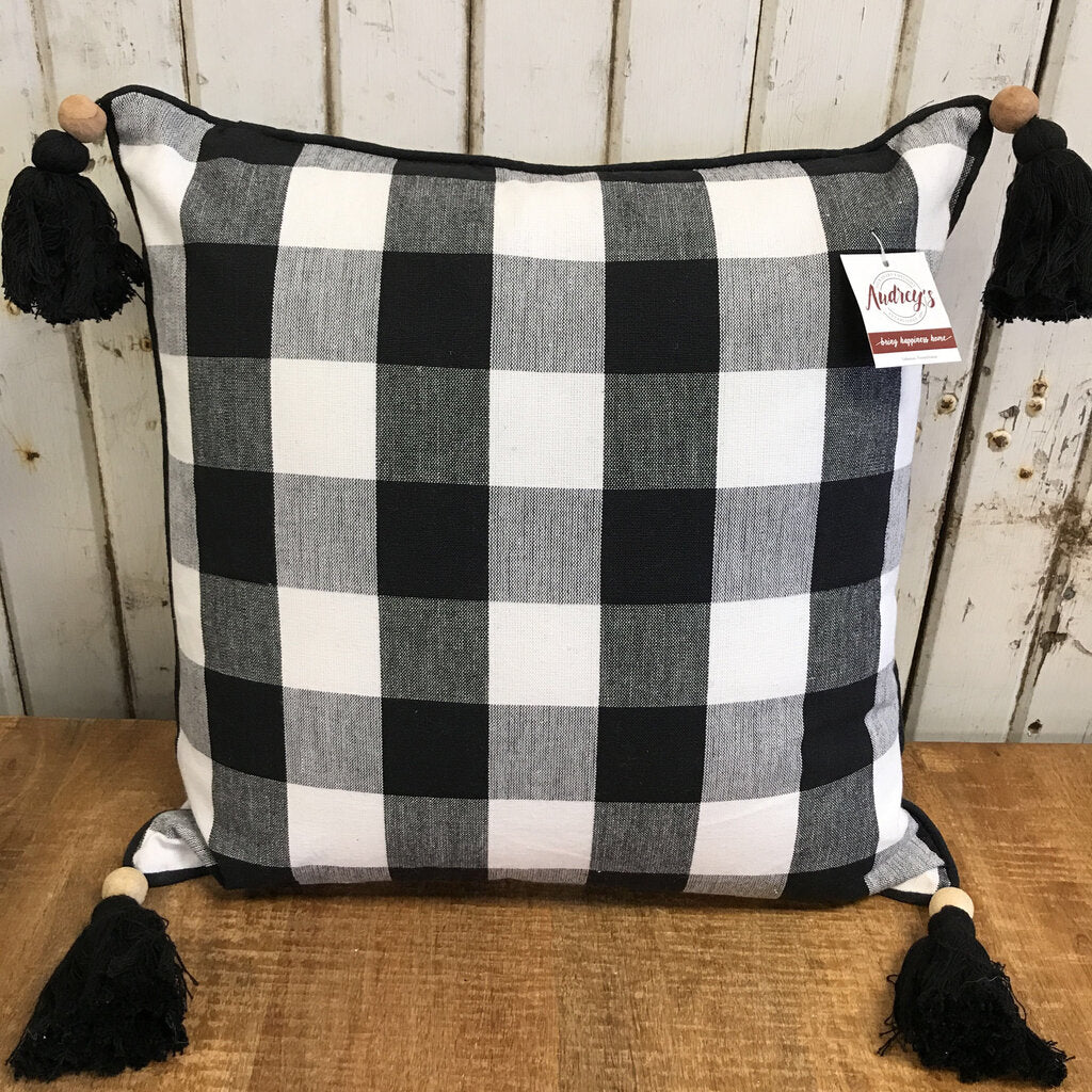 Pillow - Buffalo Plaid W/ Tassels 16 X 16