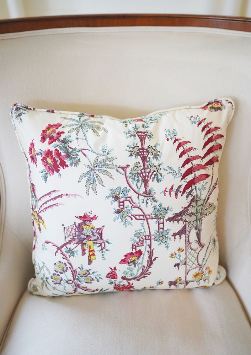 Cochinchine Violet Pillow