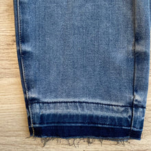Load image into Gallery viewer, Thermadenim Release Hem Boyfriend