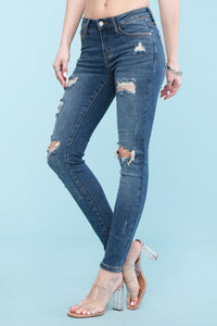 Distressed Skinny Fit