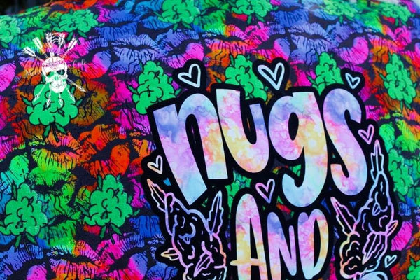 Nugs and Kisses  SMALL Panel  PreorderR15